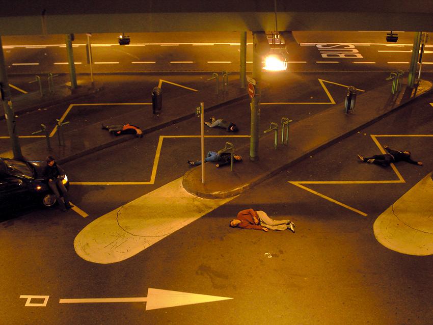 art contemporain contemporary art collectif d'artistes collective people alp le collectif alaplage affiche flyers diaporama installation vidéo stop motion living dead zombie mort du collectif portrait de groupe