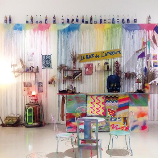 installation Manuel Pomar art contemporain bar de l'amertume Colors contemporary art painting